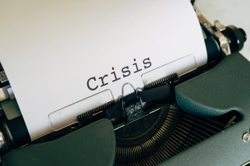 LEADING THROUGH A CRISIS: 5 COMPELLING LESSONS